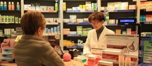 scaffale farmacia insieme